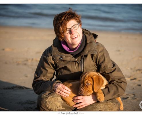 Mogi Hondenfotografie met Joy de Bordeaux Dog pup